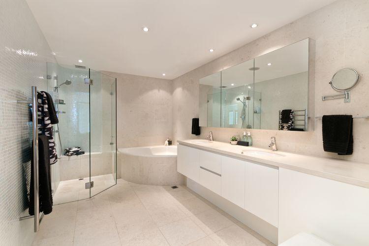 Moderne Badkamers Zwolle : Bouwbedrijf e.j. veldhuis